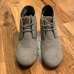 Toms Kala wedge ankle bootie